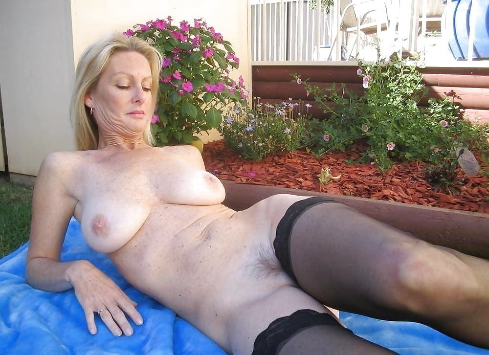 mom-mature-gallery