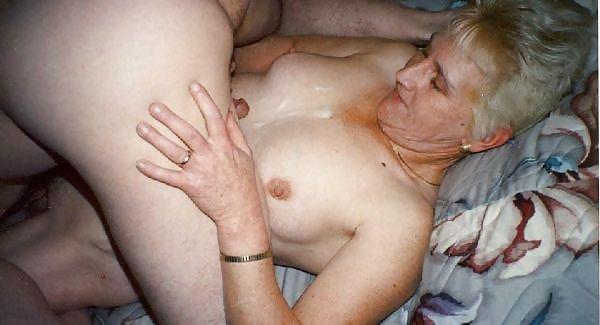 Older women mastabating-6369