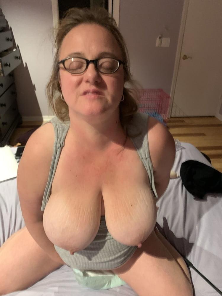 Big Tit Wife Renae - 61 Pics