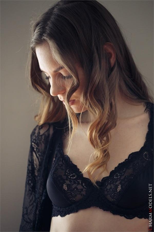Amelia Miller elegant beauty in sexy lingerie - 16 Pics