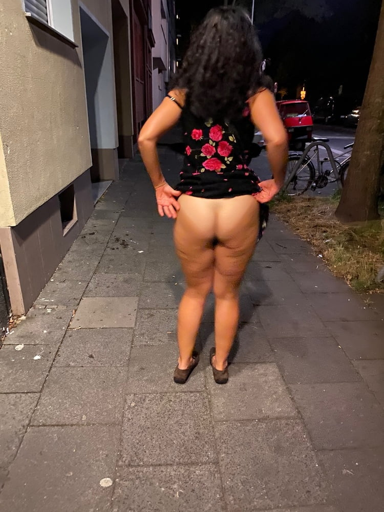 Nazli Amcik Turkish ass in Berlin - 39 Pics