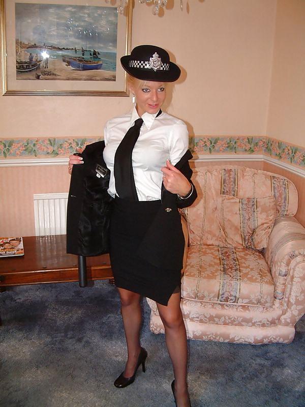 zrelih-v-uniforme