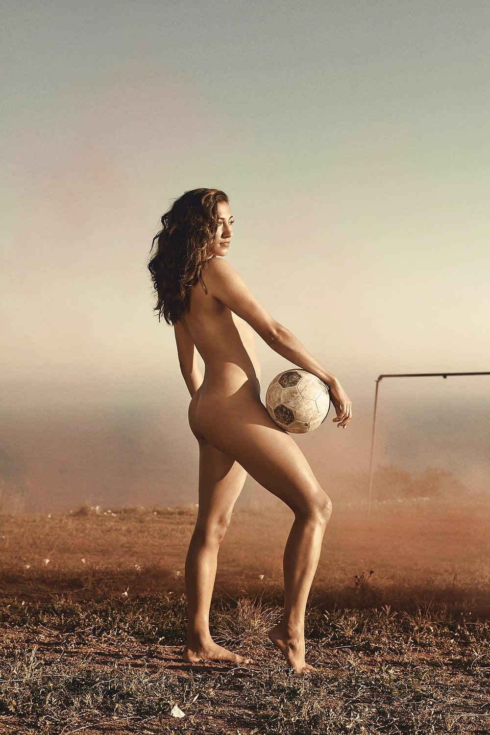 Beautiful nude athlete