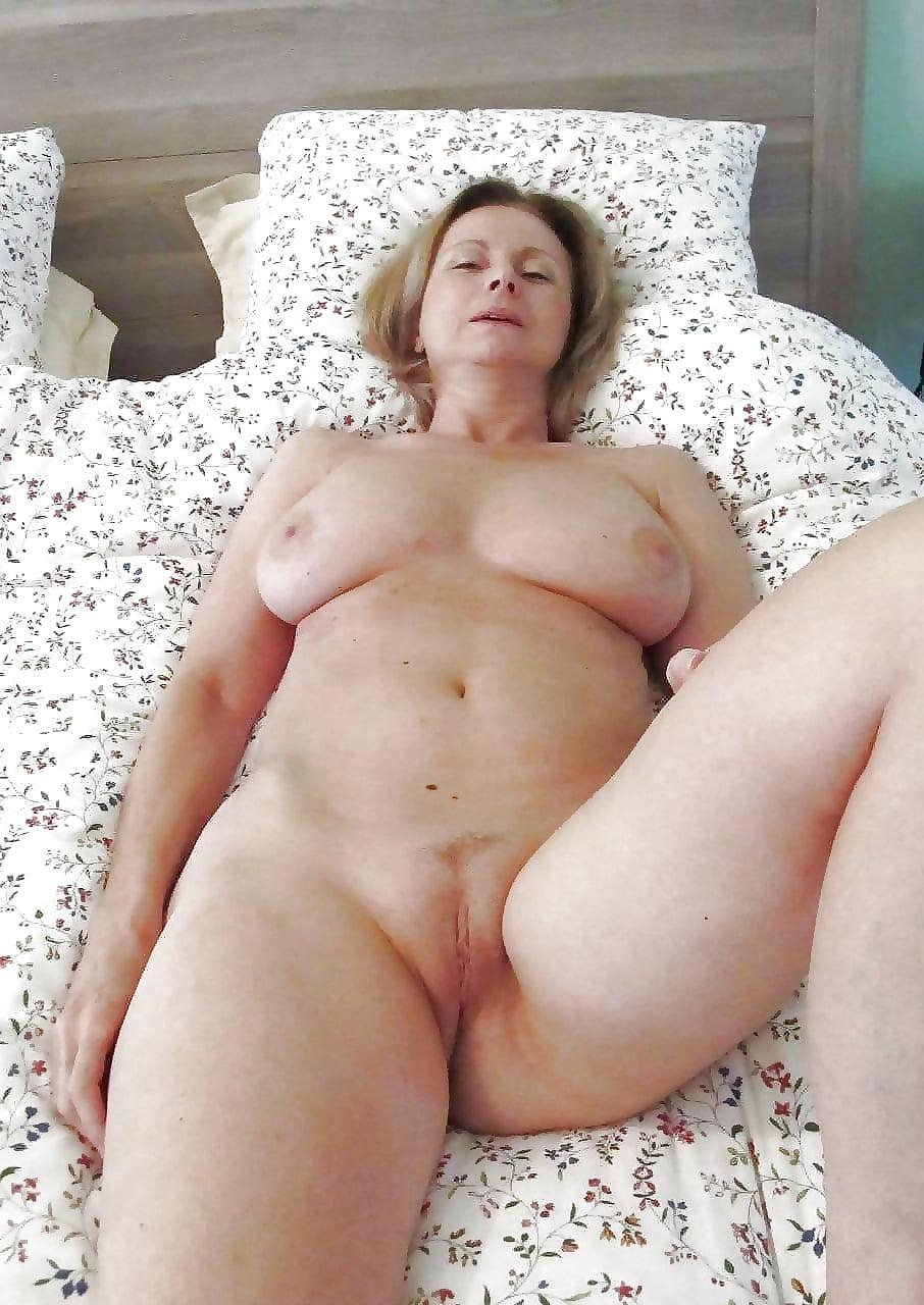 porno-fotki-golih-mamok-krasivoe-nemetskoe-porno-modeley-devushki
