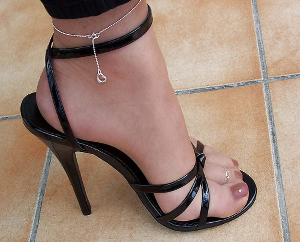Nylon high heel strappy sandal foot tickle free porn images