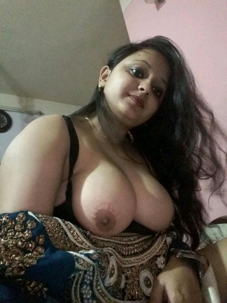 huge-tit-pakistani-girl-cougar-nude