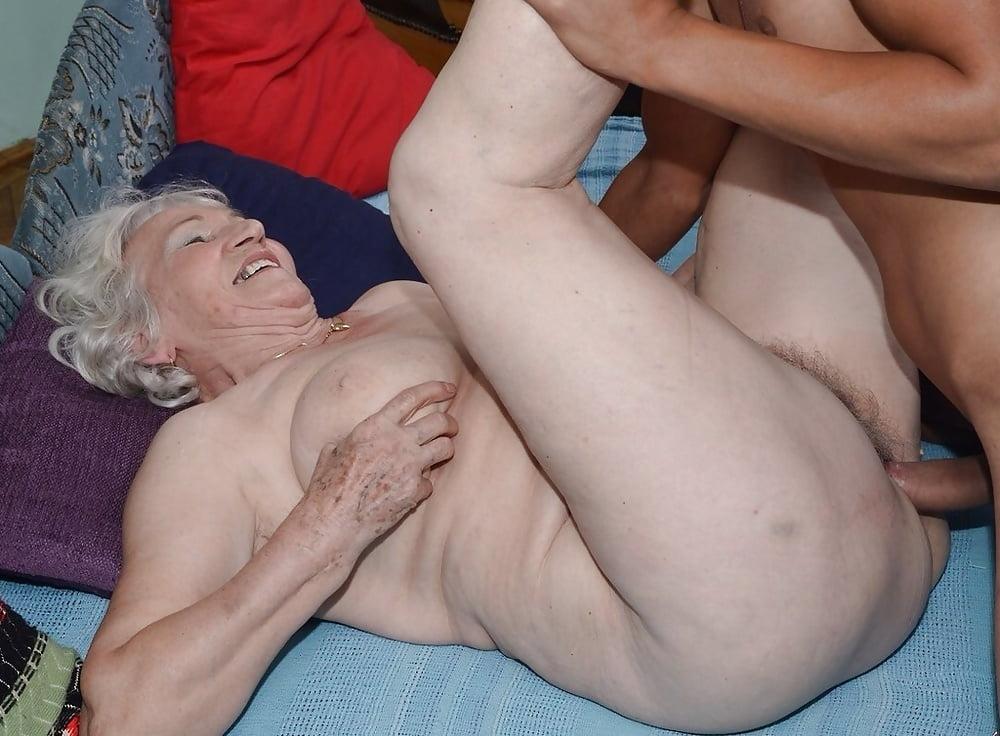 Grandma cries sex widowspider