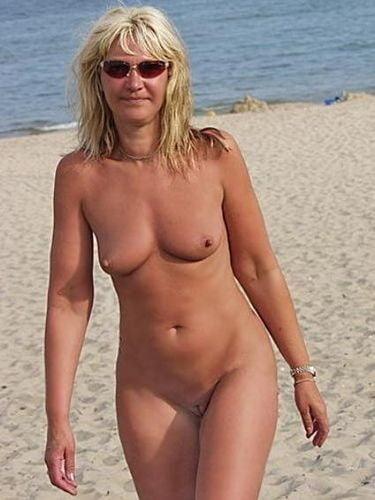 Big ass wife bent anal creampie