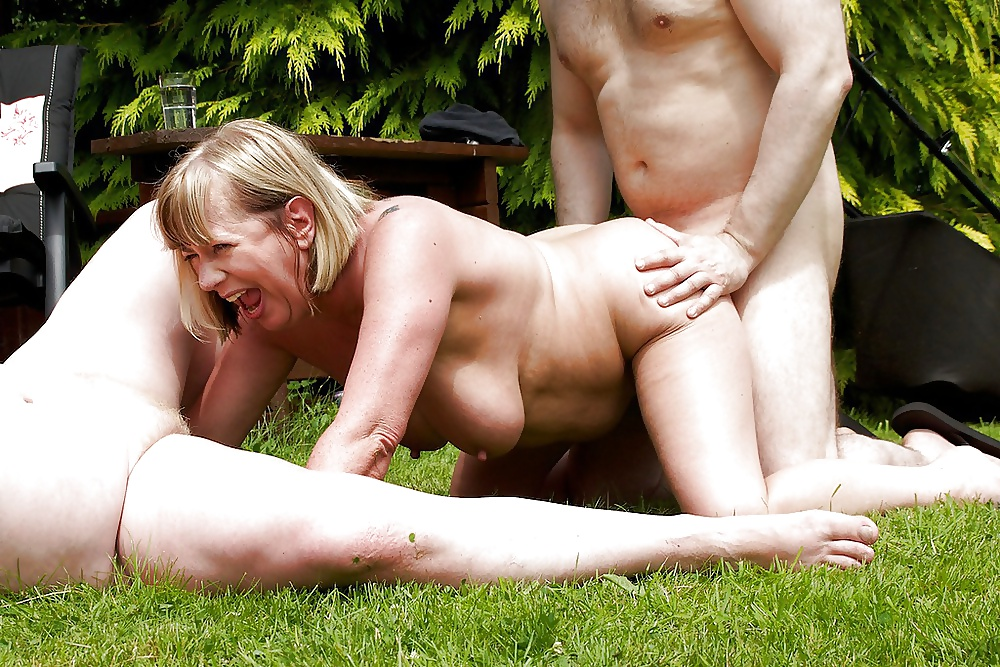 Free hot mature outdoor sex videos