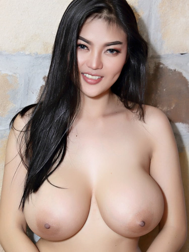 Big boob bugil