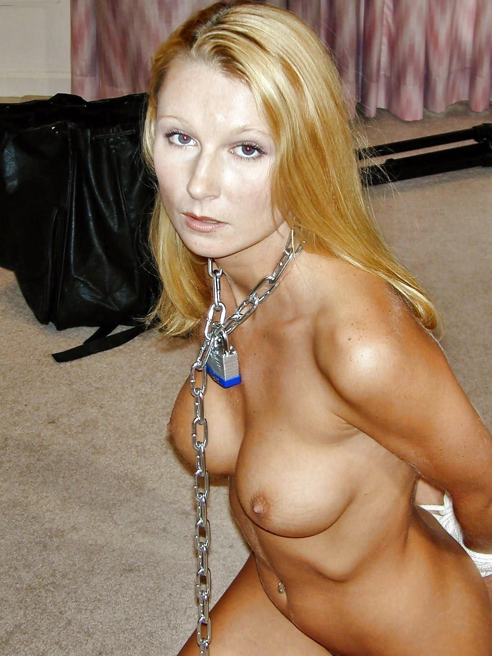 naked-milf-on-a-chain