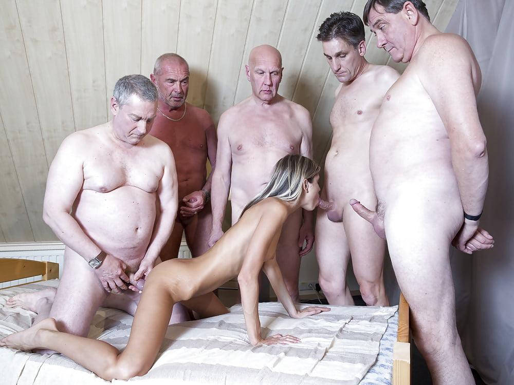 Секс со стариками групповой фото
