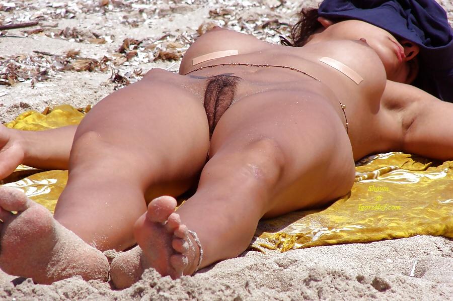 Видео секс на пляже крупным планом