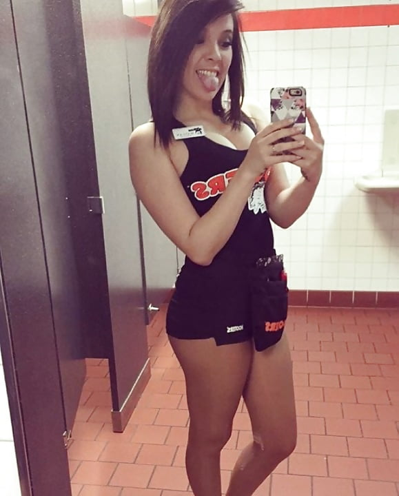 Hooters selfie, hot girls naked and horney
