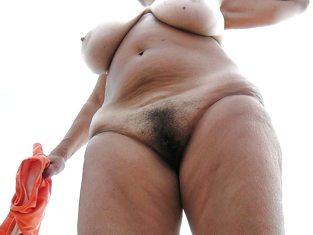 Hairy mature boy-6090