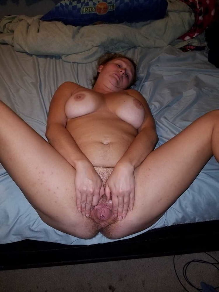 From MILF to GILF with Matures in between 277 - 492 Pics