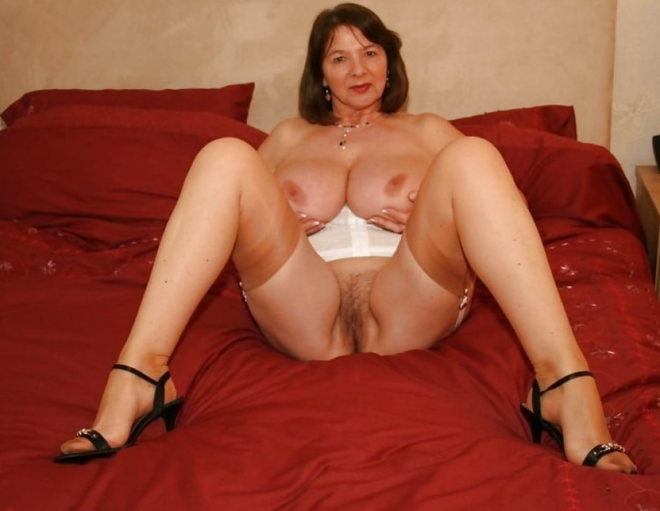 Erotic mature women pictures, beautiful nude women, free mature porn pics