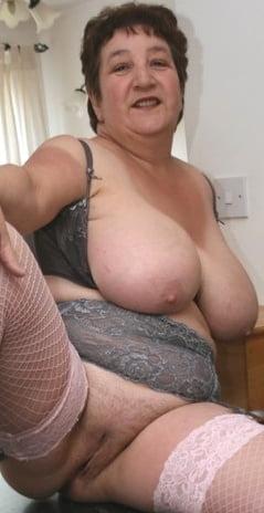 British mature women in stockings-5100