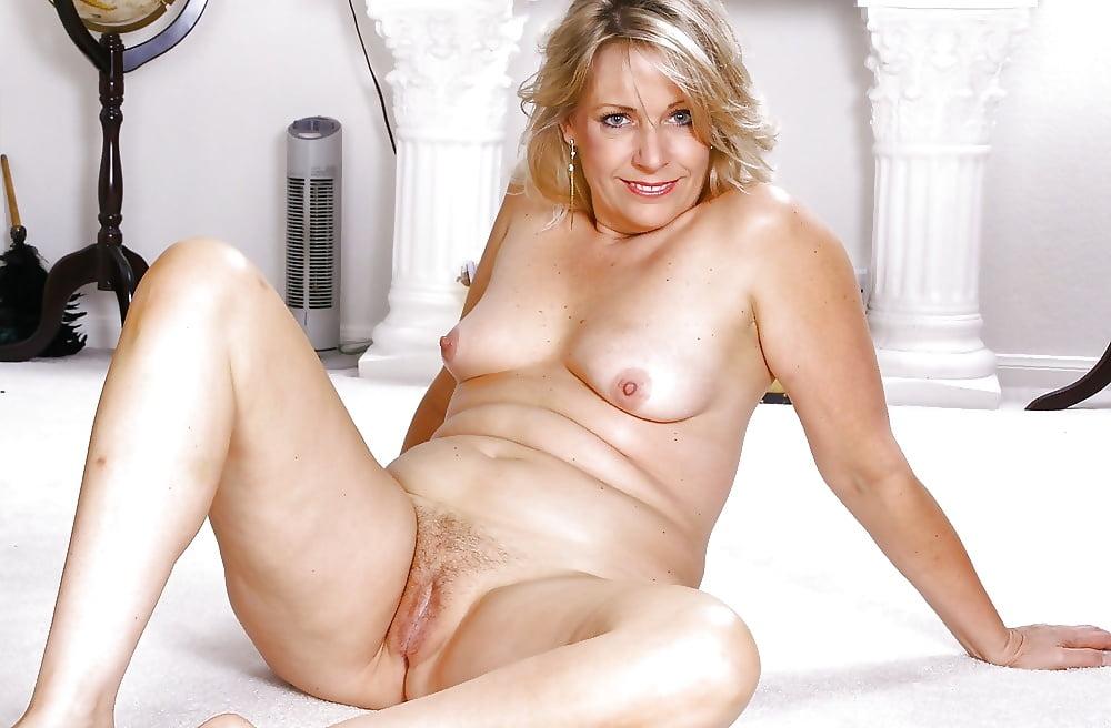 nude-milf-mature-amateur-cock-sucker-pictures