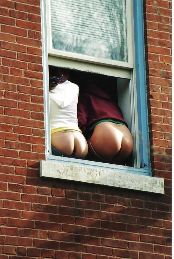 Window voyeur sexy couple girl with sexy body