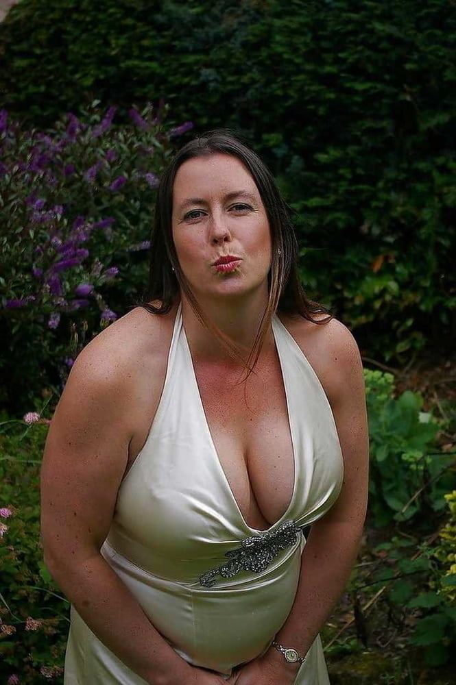 From MILF to GILF with Matures in between 279 - 492 Pics