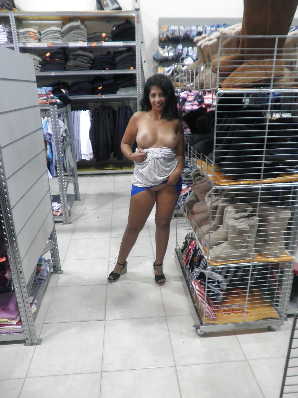 Nude Girls Of Walmart - 100 Pics - Xhamstercom-7162