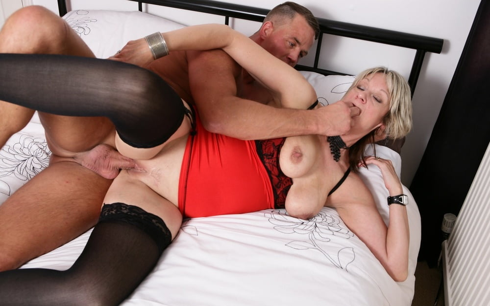 Free Hq English Milf In The Office Porn Photo