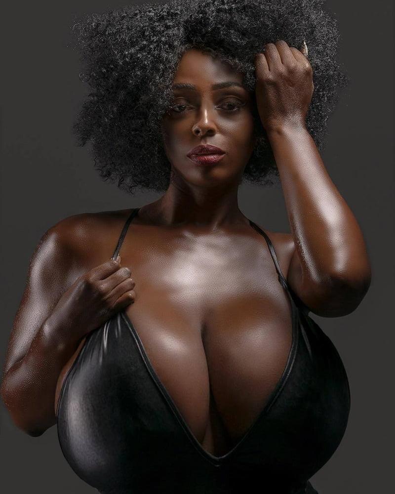 black-girl-tits-linda-arsenio-naked