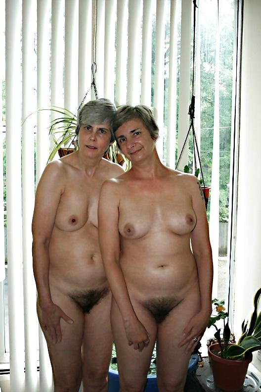 grandma-mother-daughter-naked