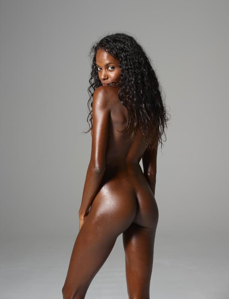 Красивые обнаженные темнокожие девушки фото
