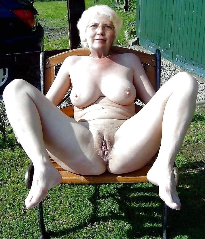 Slutty sexy nude grandmas