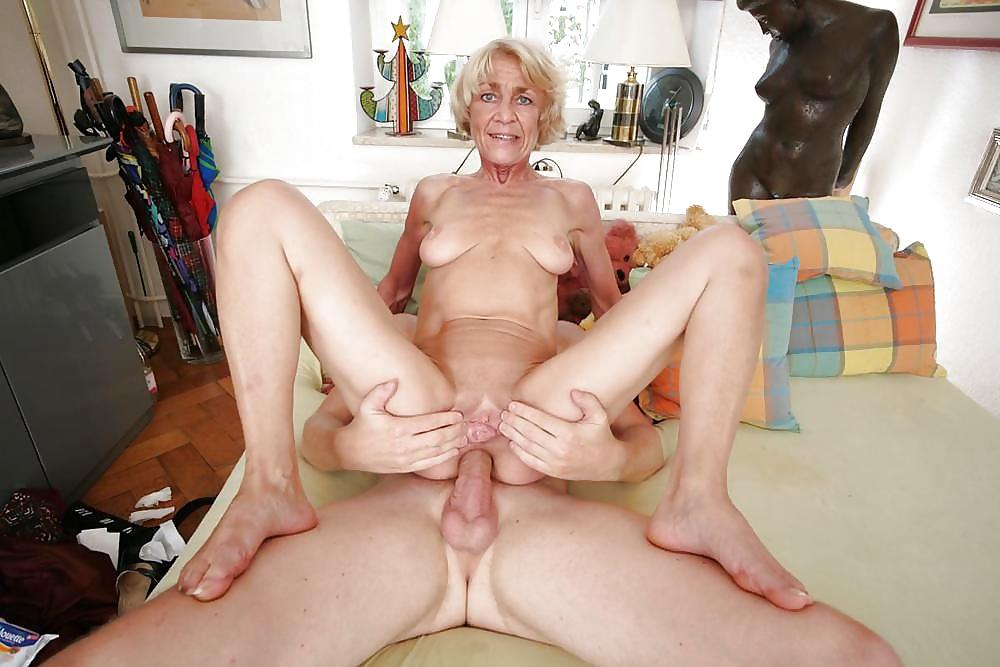 Amateur Grandma Anal