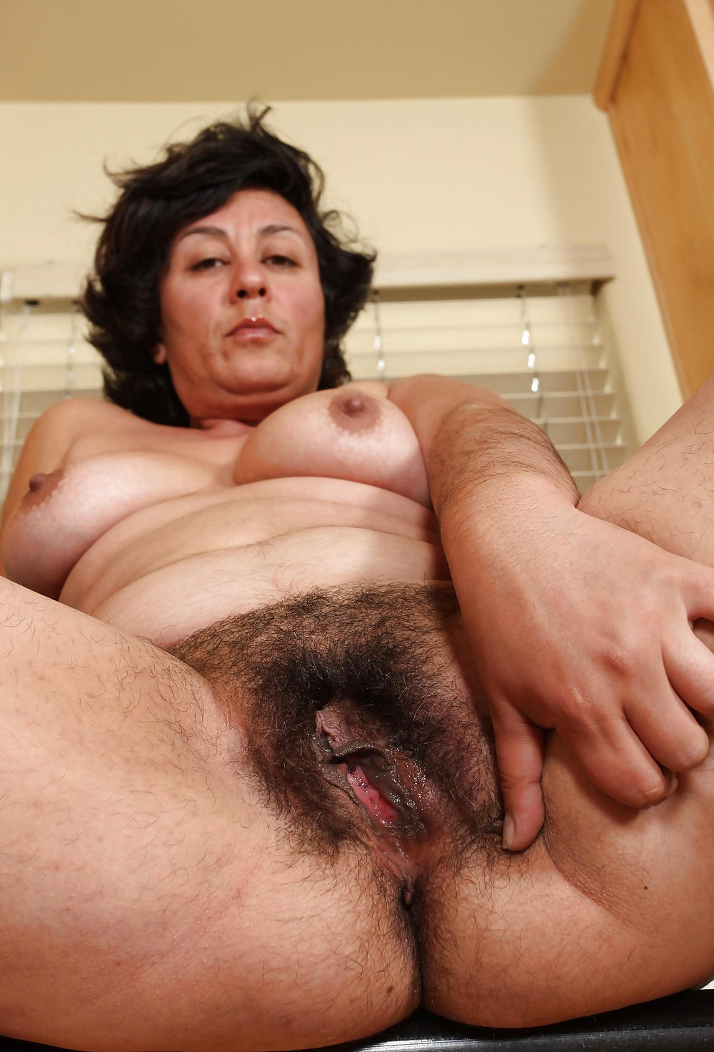 hairy-old-mature-pussy-moore