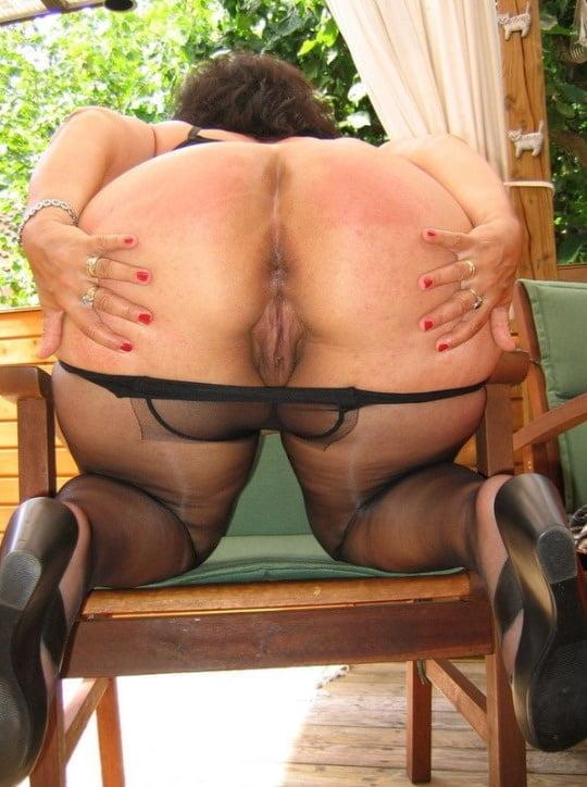 Girl mature butt spreadtures spiderman