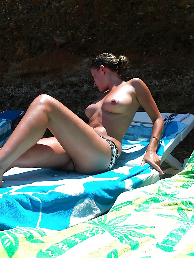Topless Wife Vacation Photos - 22 Pics  Xhamster-7025