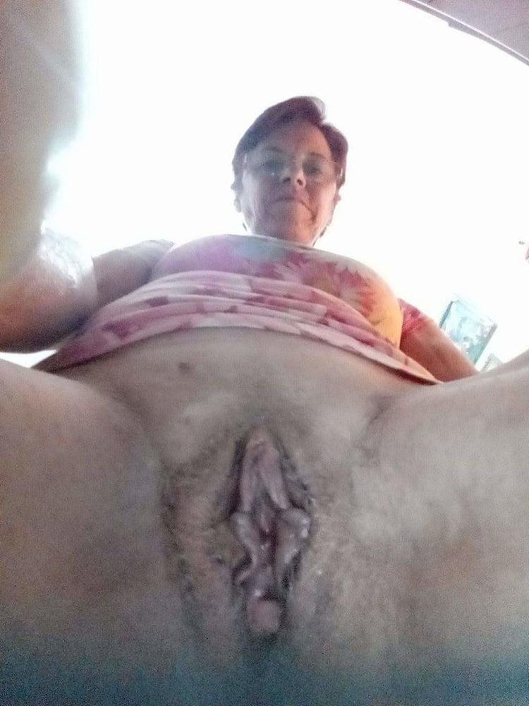 Velha tuga grelo grande - 12 Pics