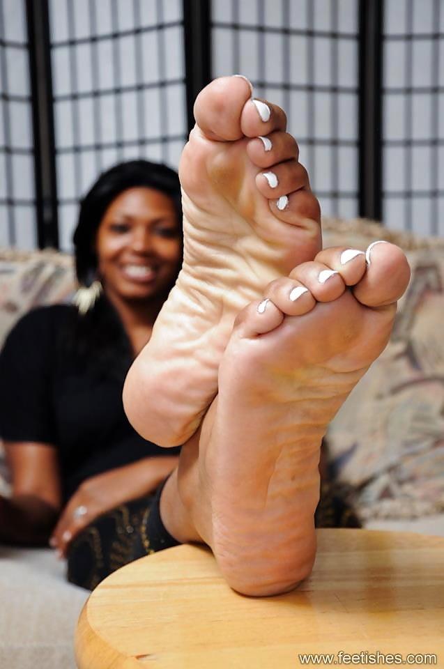 Solid Tech Ebony Feet Of Silence