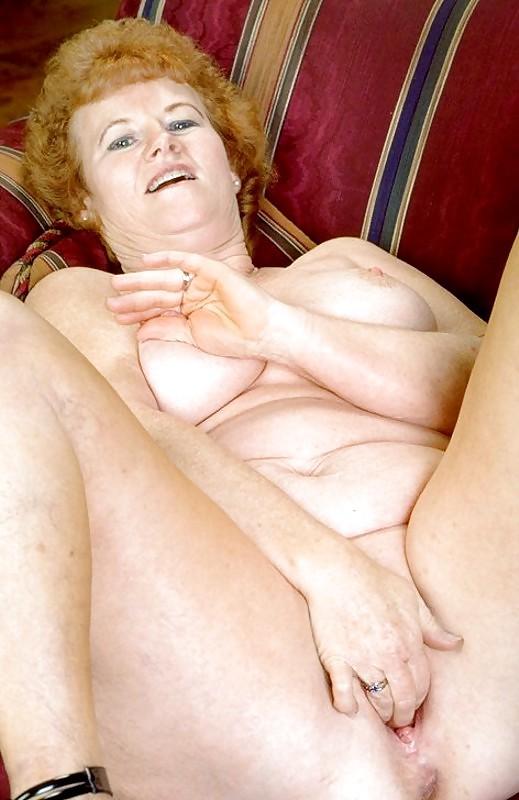 Shemales hung masturbating movies