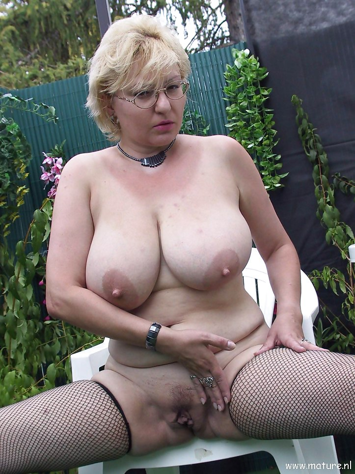Mature oussy