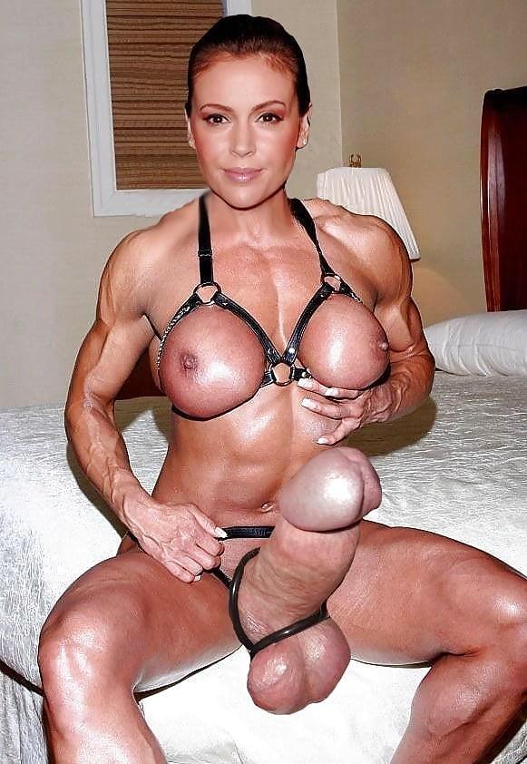 Massive female bodybuilder sucking cock