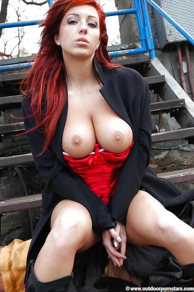Ashley Robbins Outdoor Sex Porn Babe Source 1