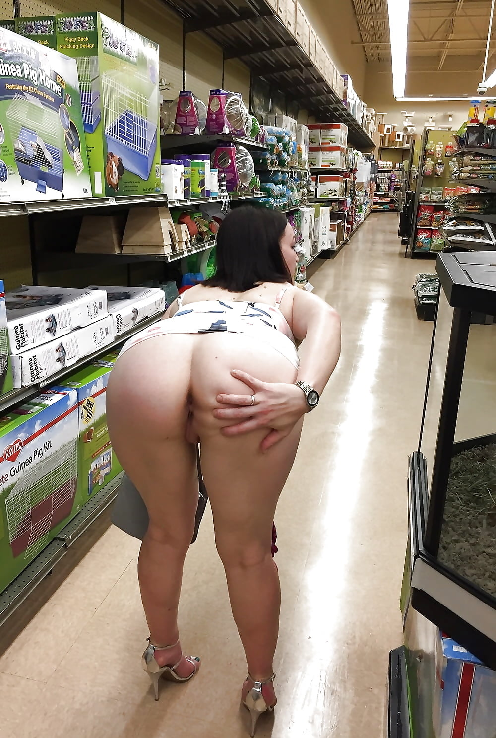 butt-flash-pics-nude-girl-games