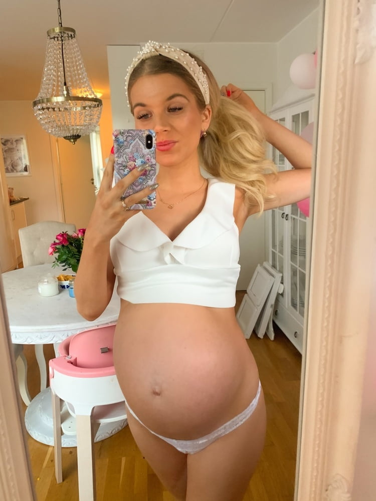Lovely and Fuckable Pregnant Swede Linn - 28 Pics