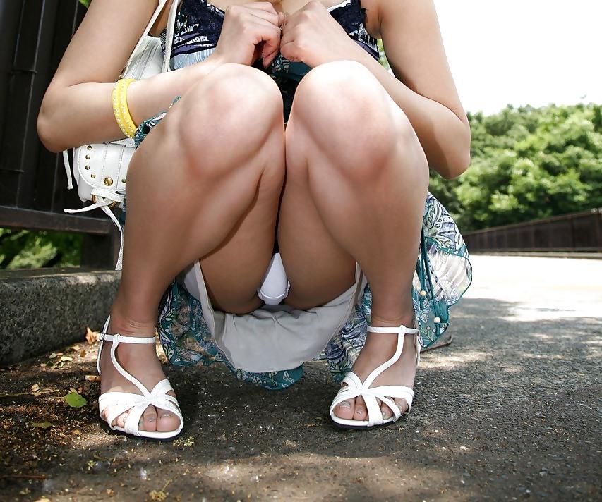 Nice teen girl shows off her upskirt underwear out on the patio steps amador na rua jovem ass babe girl nice