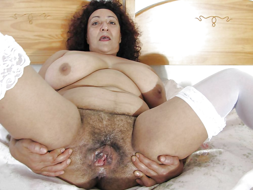 Mature hairy fat pussy, charlotte porno actrice