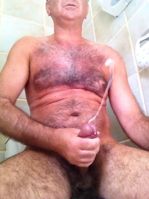 Gay Pics In Category Guy Shoots Cum