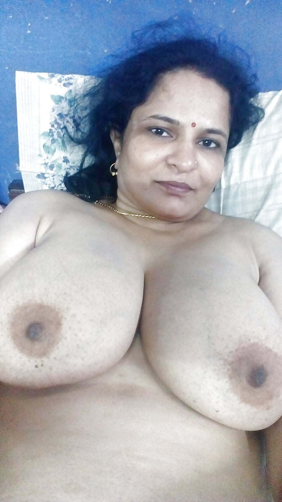 Miller nude indian aunty tits and facial