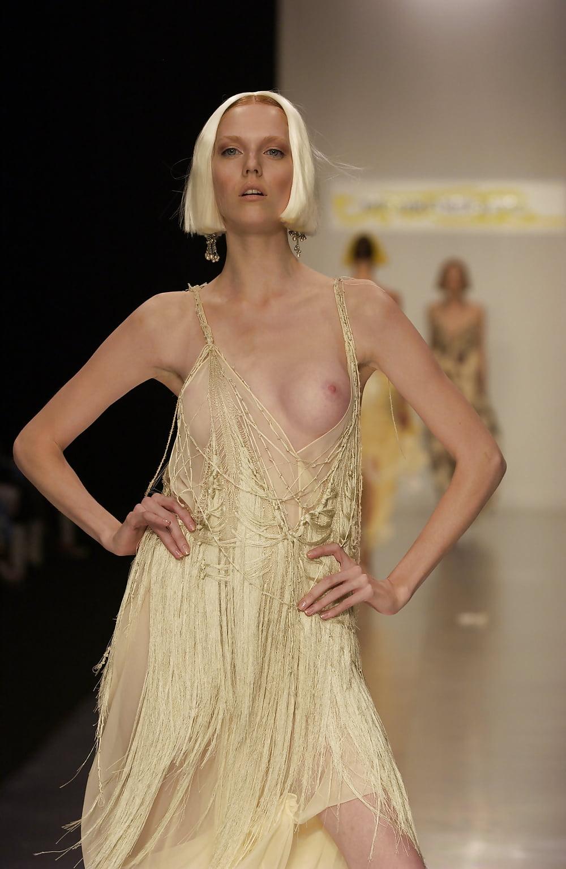 naked-runway-babes
