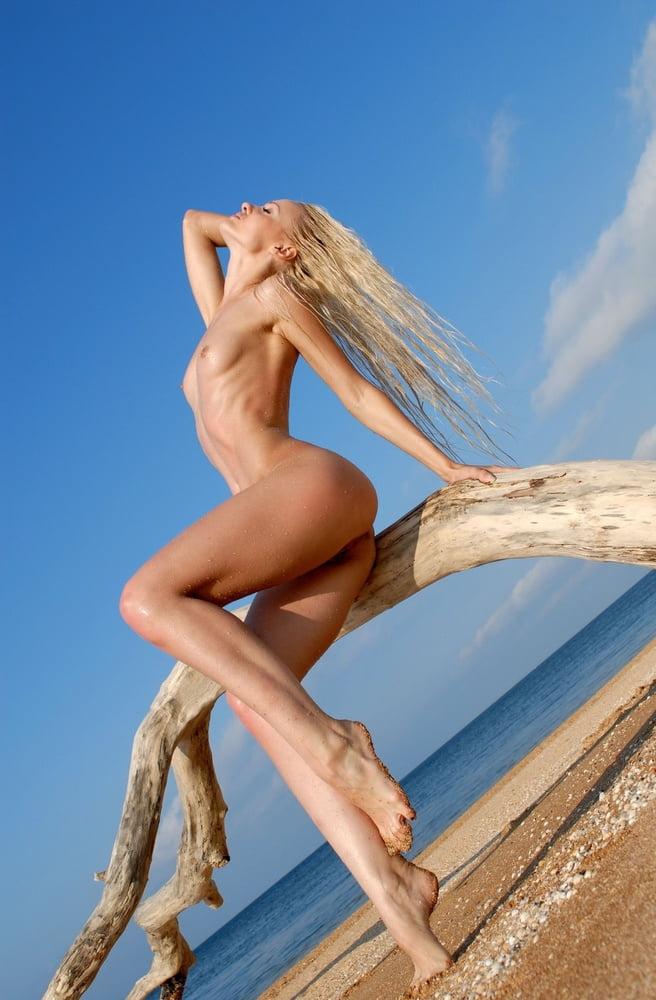 длинноногие девушки голышом