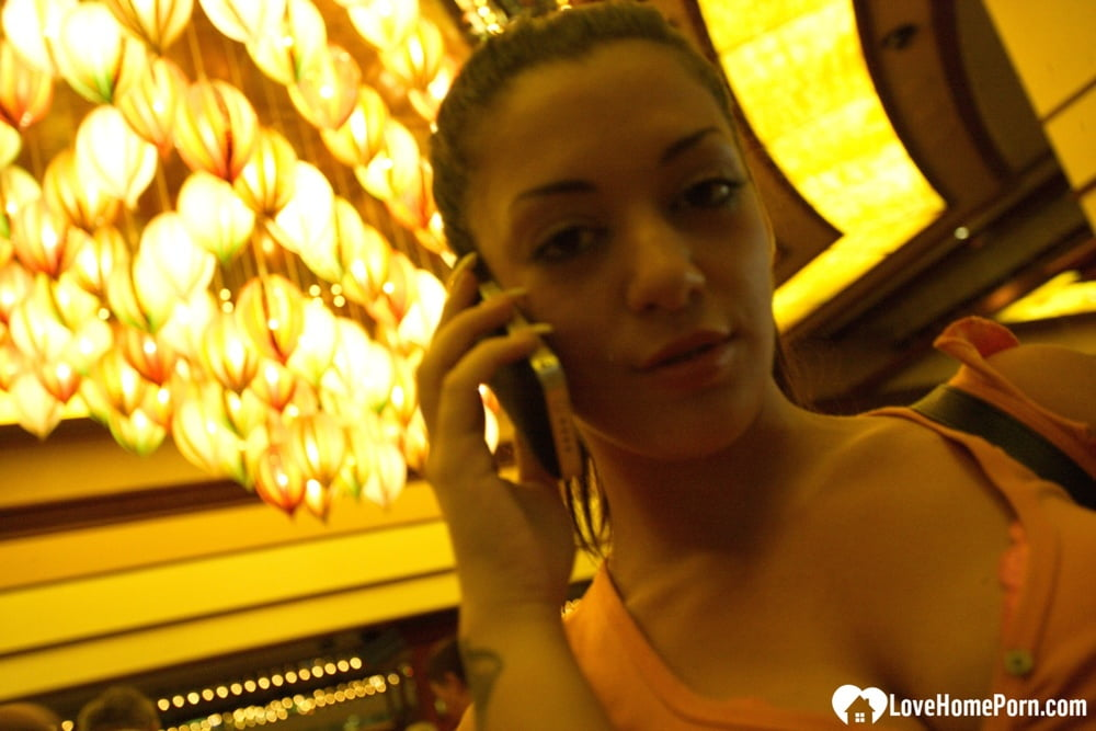Pounding a hot babe in my hotel room - 127 Pics